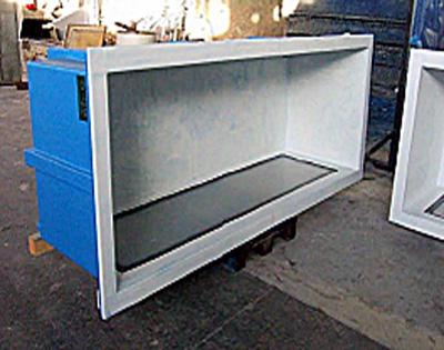 Esempi vasche espositive lamar udine for Vasche in vetroresina